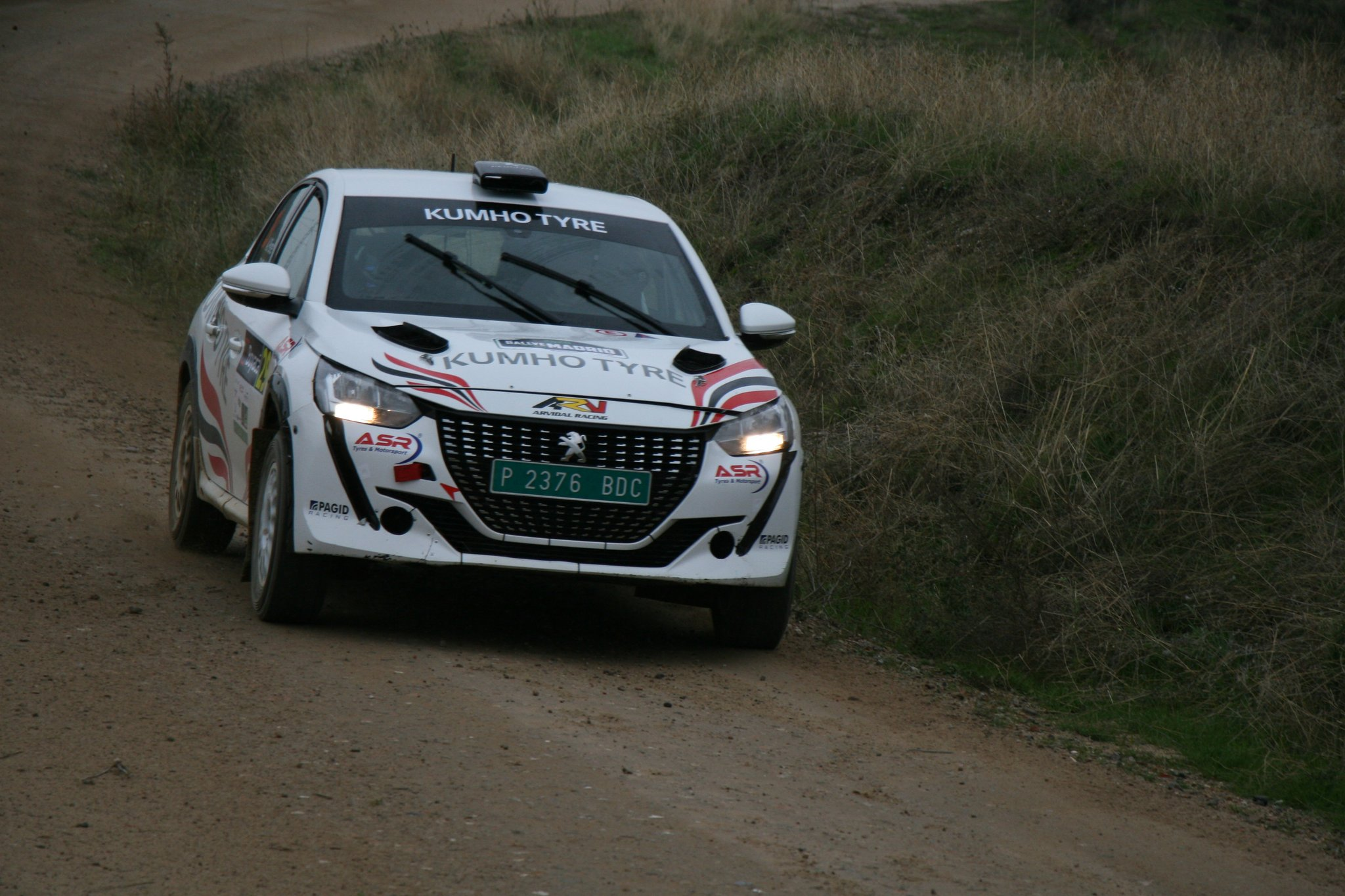 SCER + CERT: Rallye de Tierra de Madrid [13-14 Noviembre] - Página 3 Emx6p2aWEAEELv_?format=jpg&name=large