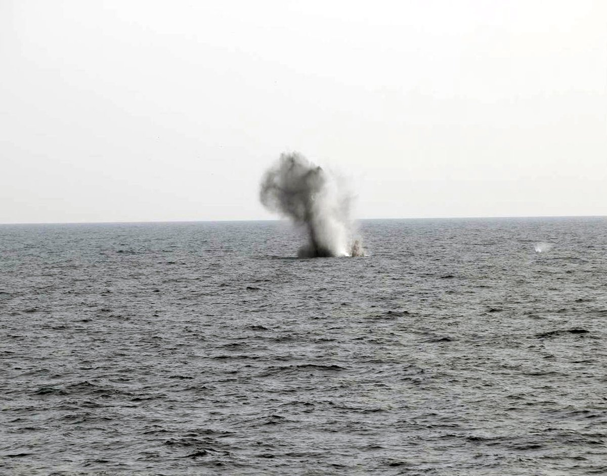 Minehunter @HmsShoreham made the busy waters of the Gulf a little safer when she blew up a drifting buoy. The Bahrain-based warship encountered the obstacle while training. Her divers sent it to the sea bed it using explosive charges. #GlobalNavy ow.ly/WSfS50CjTPn