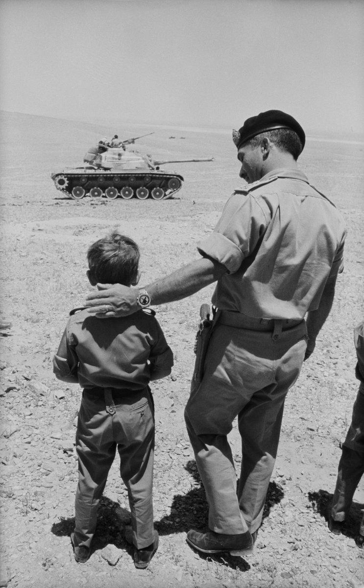 في ذكرى ميلاد الحسين، رحمه الله، الذي نذرني يوم ولدت لخدمة الأردن الأغلى، نستذكر الإنجازات العظيمة، ومحبّة الأردنيين، شيبا وشبانا، للقائد الباني. نستمد من مسيرته العزم والإرادة لنواصل بناء وطننا العزيز