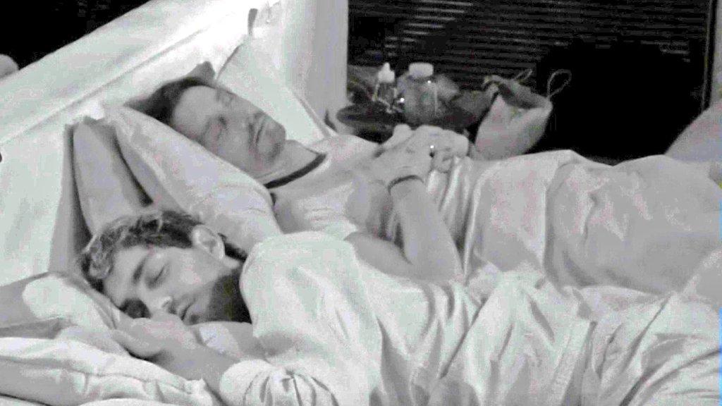 Zorpini On Twitter Buongiorno Solo A Sandra E Raimondo Che Passano Dal Prendersi Per Culo A Dormire Come Cozze