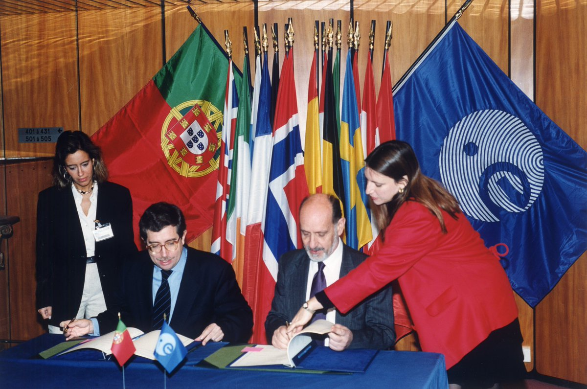 20 years ago Portugal 🇵🇹 became the 15th Member State of @esa. Thanks to @govpt and @ciencia_pt for your longstanding commitment and showing how important #Space is by establishing @portugalspace in 2019 👏