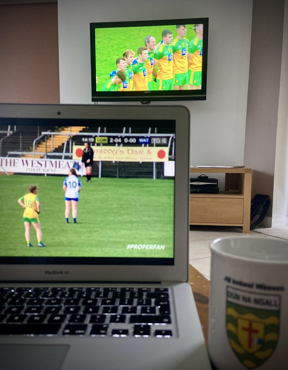 Going to have a sore neck by 3pm 😁! #donegalabú #updonegal #properfan