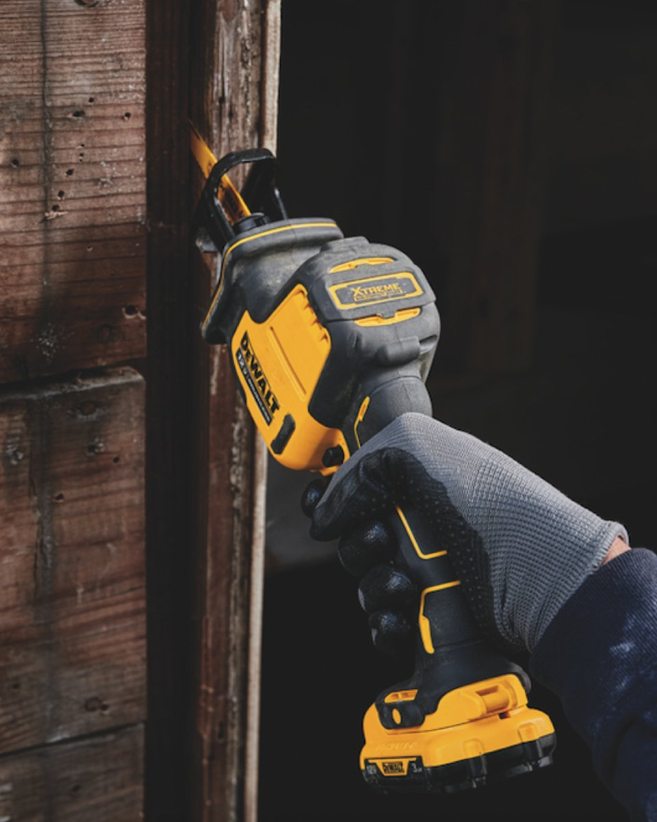 Lightweight and optimized for one-handed use, this Brushless Reciprocating Saw makes light work of overhead jobs.