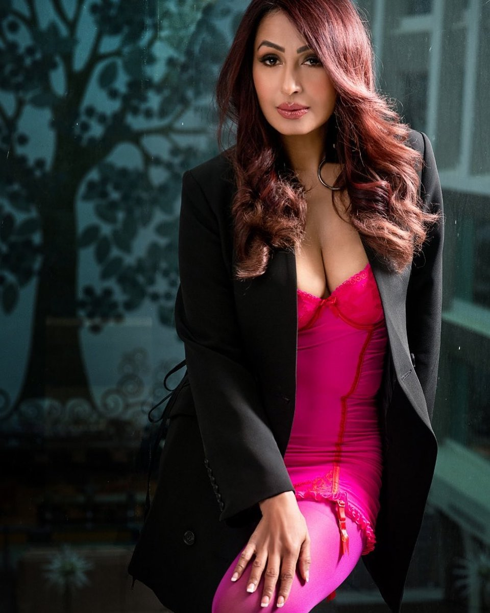 Hotness overloaded  🔥🔥🔥 #bollywood #bollywoodactress #bollywoodcelebs #bollywoodstars #celebrity #KashmeraShah #hot