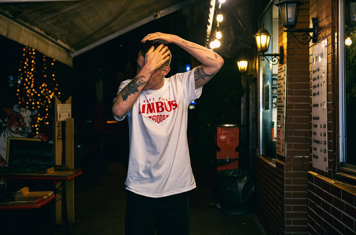 Latest work  @limbus.goods  Model: @bortyshanks   #christopherkochphotography #doubletphotographers #limbusgoods  #stpauli #kiez #hamburg #portraitphotography #peoplephotography #sanktpauli #altona #streetphotography #streetstyle #redlight #atnight #night #lockdown
