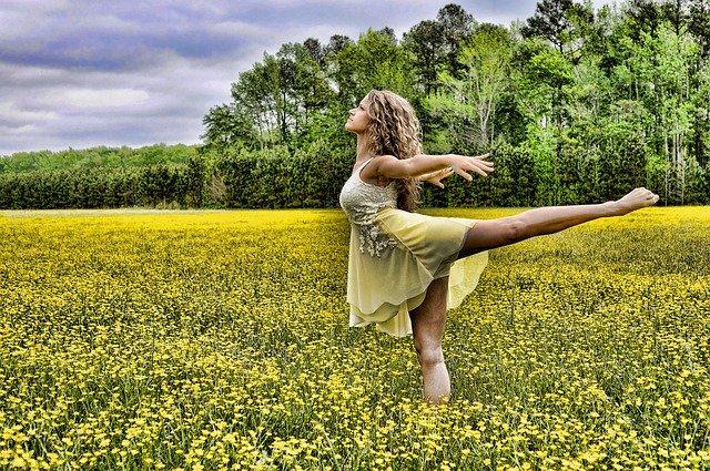 🤔 Mmmm... ¿Te gusta el baile? ¿De verdad?  Te dejo 6 cosas que hacen los amantes de la #danza. Y tú, Safranera, ¿también lo haces? 😉💃 >>    #bailar #danzamadrid #baila #baile #clasesdedanza #clasesdebaile #bellydance #bollywood #dance #bailando