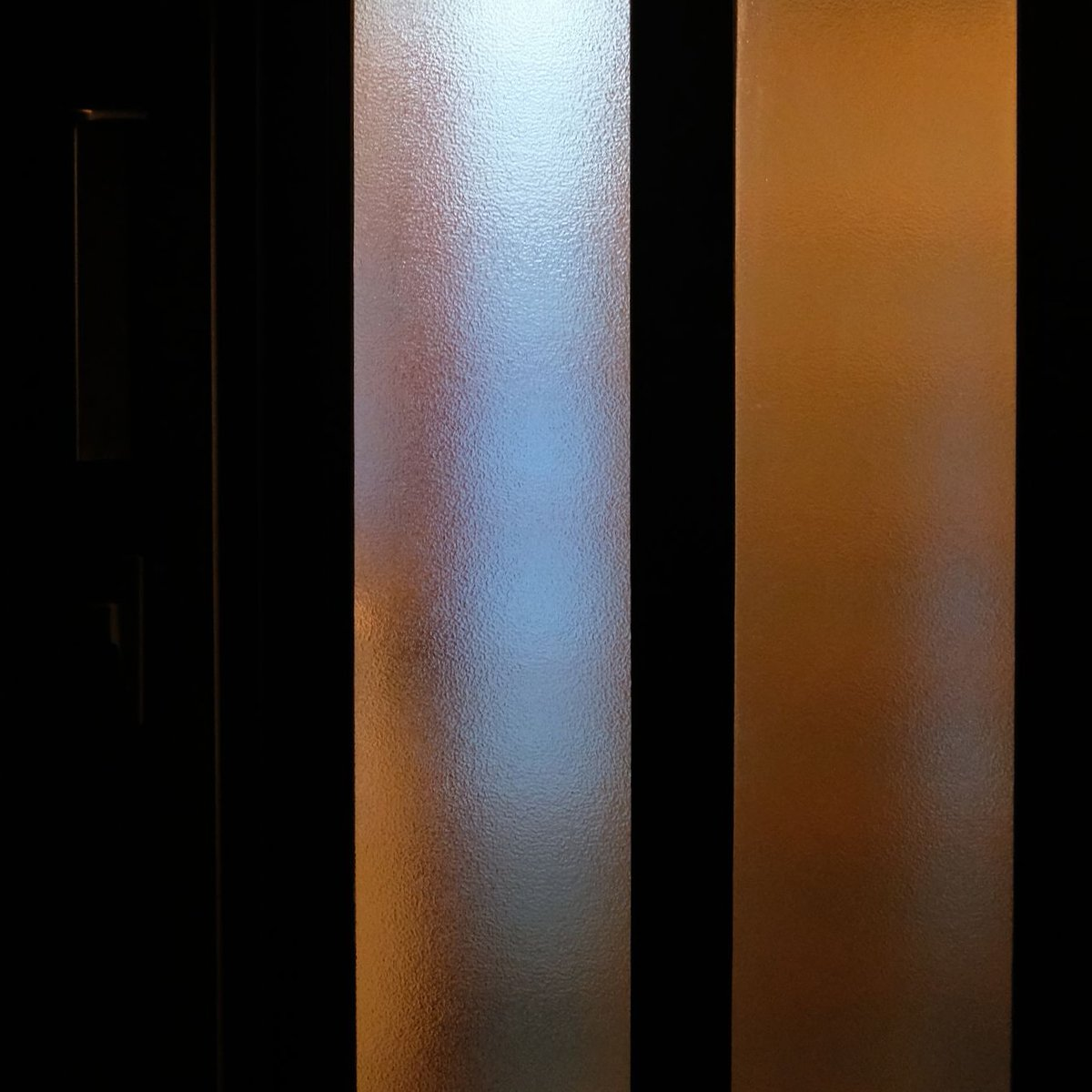 instagram。日々のブログではアップしていませんが、こんな作品も撮り続けています。  #光 #影 #light #shadow #夜 #night #tokyo #shibuya #photography #明暗 #日常 #days #life #生活 #daylight #photographers #myphoto #写真で伝えたい私の世界 #写真好きな人と繋がりたい #fujifilm_xseries