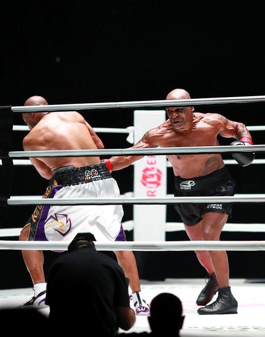 Le Combat De Retour De Mike Tyson Depuis 15 Ans Avec Roy Jones Jr Se Termine Par Une Décision Décevante