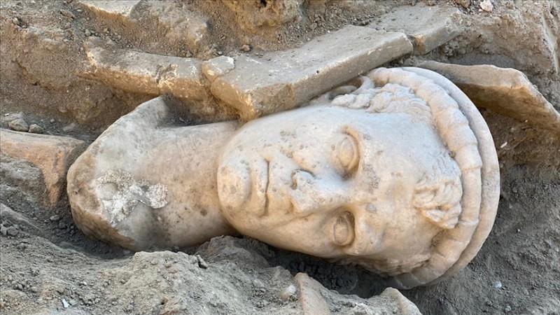 Denizli'de 2 bin yıllık heykel bulundu https://t.co/g6PjWh2yHo https://t.co/2KKAkM3oTn
