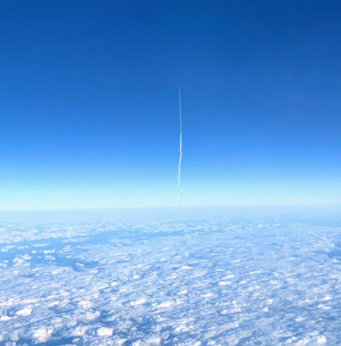 機内からH2Aロケット打ち上げにたまたま遭遇。
