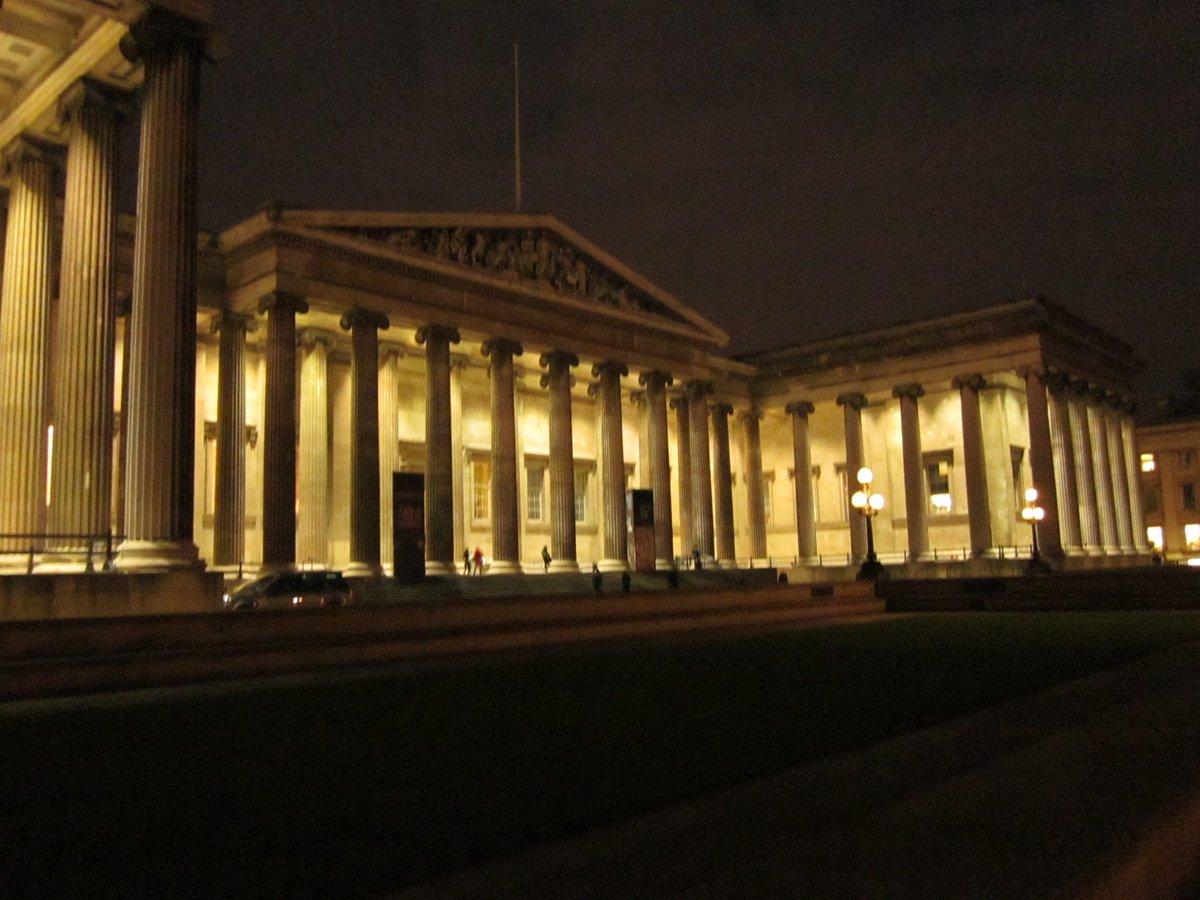 @britishmuseum - at night, December 2010   #MuseumsUnlocked    #night