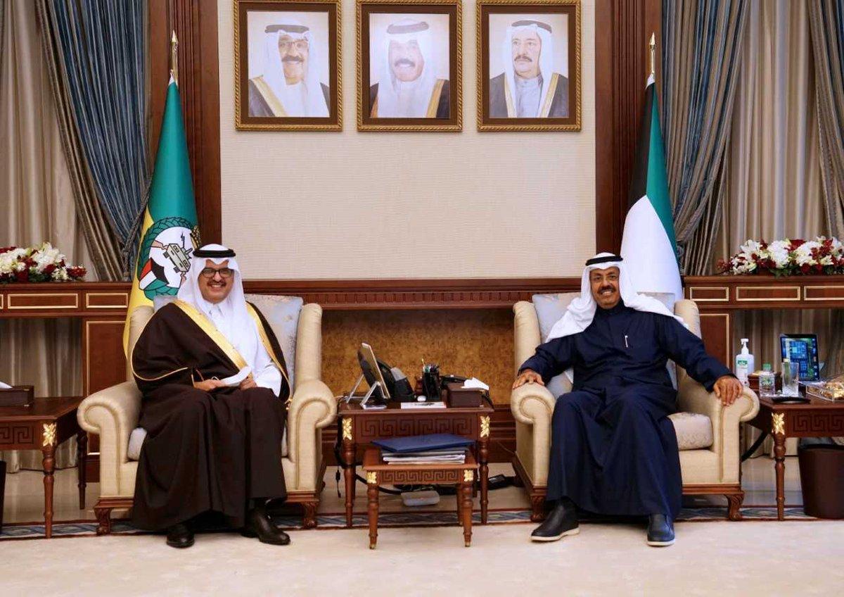 نائب رئيس الحرس الوطني يلتقي سفير خادم الحرمين الشريفين كونا الكويت