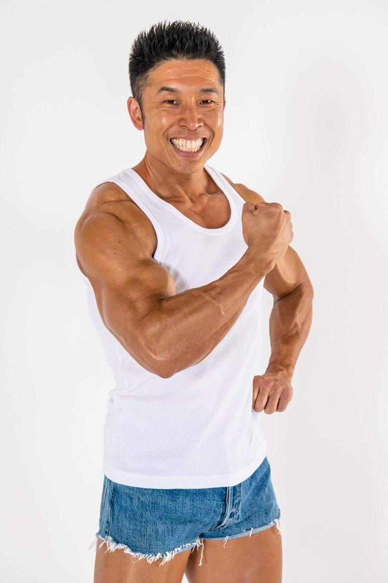 筋肉芸人と言えば、この人💪もちろんやってきます‼️12時2日(水)19時👇こんな時代だからこそ、オンラインで楽しみたい😆#dreamfitnesssuperlive