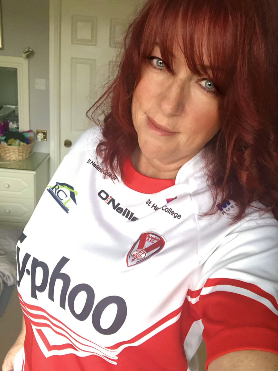I'm wearing my old @Saints1890  shirt that I wore for last years Grand Final, all day today as my lucky charm. I'm nervously excited already 😬It's going to be tight but I'm predicting we'll win by 6 #COYS #RedV #SLGrandFinal 🏉♥️