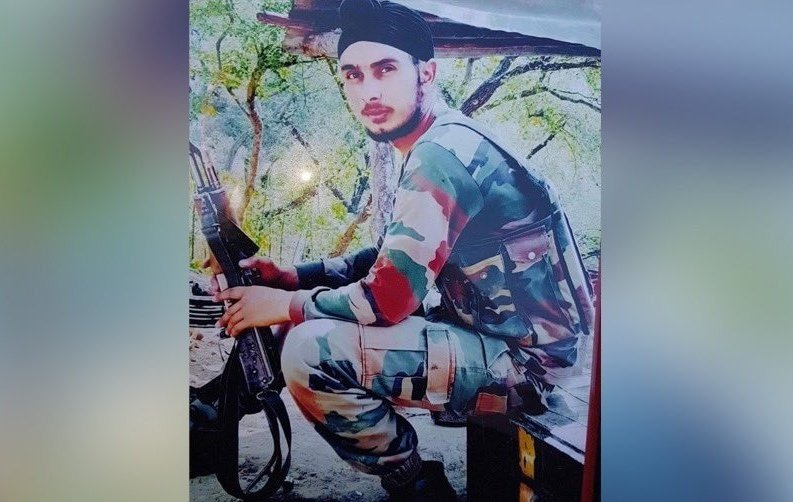 Deeply saddened to hear about the sad demise of Sepoy Sukhbir Singh in Rajouri today! His supreme sacrifice for our motherland has indebted us all! My thoughts and prayers are with his family and loved ones!