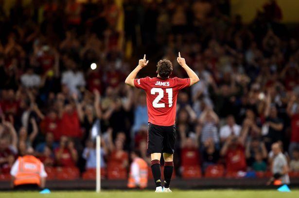 Daniel James in his last two fixtures:   Wales vs Finland - Goal & Assist ⚽️ 🎯  Manchester United vs Başakşehir - Goal ⚽️   #MUFC https://t.co/WfKah0Bza6