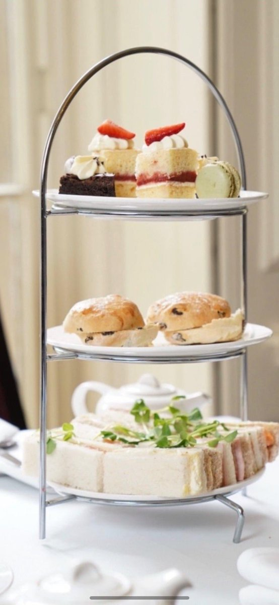 ⭐️BLACK FRIDAY! ⭐️  We currently have 20% off gift vouchers!! From Afternoon Tea to Overnight stays!   The perfect Christmas present, shop via the link below and use the code OFFER20 🎁  https://t.co/lZ3xxbftey  #BlackFriday #BlackFridayDeals #BlackFriday2020 #sheffieldissuper https://t.co/DJvzypZcxc