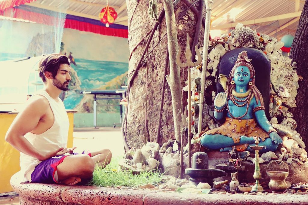 Understand! His silence has a lot of meaning 🙏 #omnamahshivaya https://t.co/0v1lYdGmWh