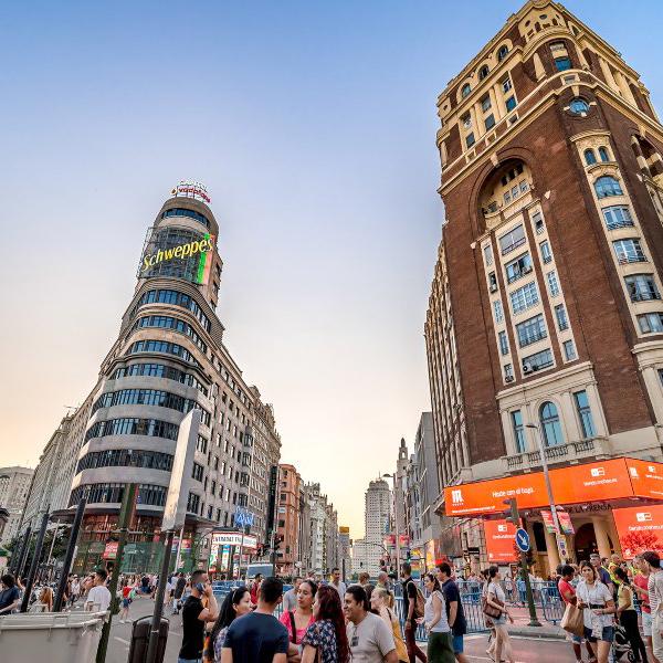 🧐 @AsetraMadrid solicita una nueva moratoria para los talleres de #MadridCentral https://t.co/5MBoTfDHvS https://t.co/CLQswj55bO