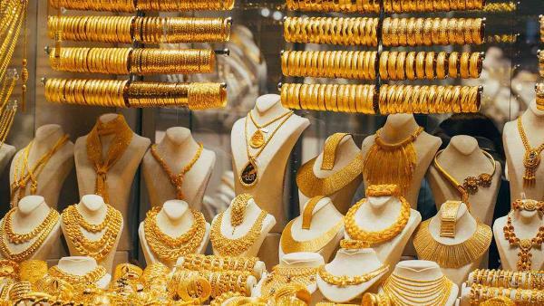 أسعار الذهب في السعودية تواصل الارتفاع خلال تعاملات الجمعة https://t.co/HyKvMv0g54 https://t.co/BVkixOb6io