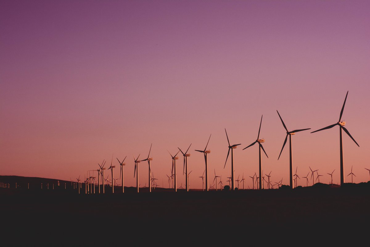 The development of wind energy will be a key part of the UK's green economic recovery and help support communities across the UK by providing thousands of jobs 👏  That's why we're supporting #WindEnergy and why it's part of our #10PointPlan for a #GreenRecovery #UKWindWeek https://t.co/31sBG9RQk3