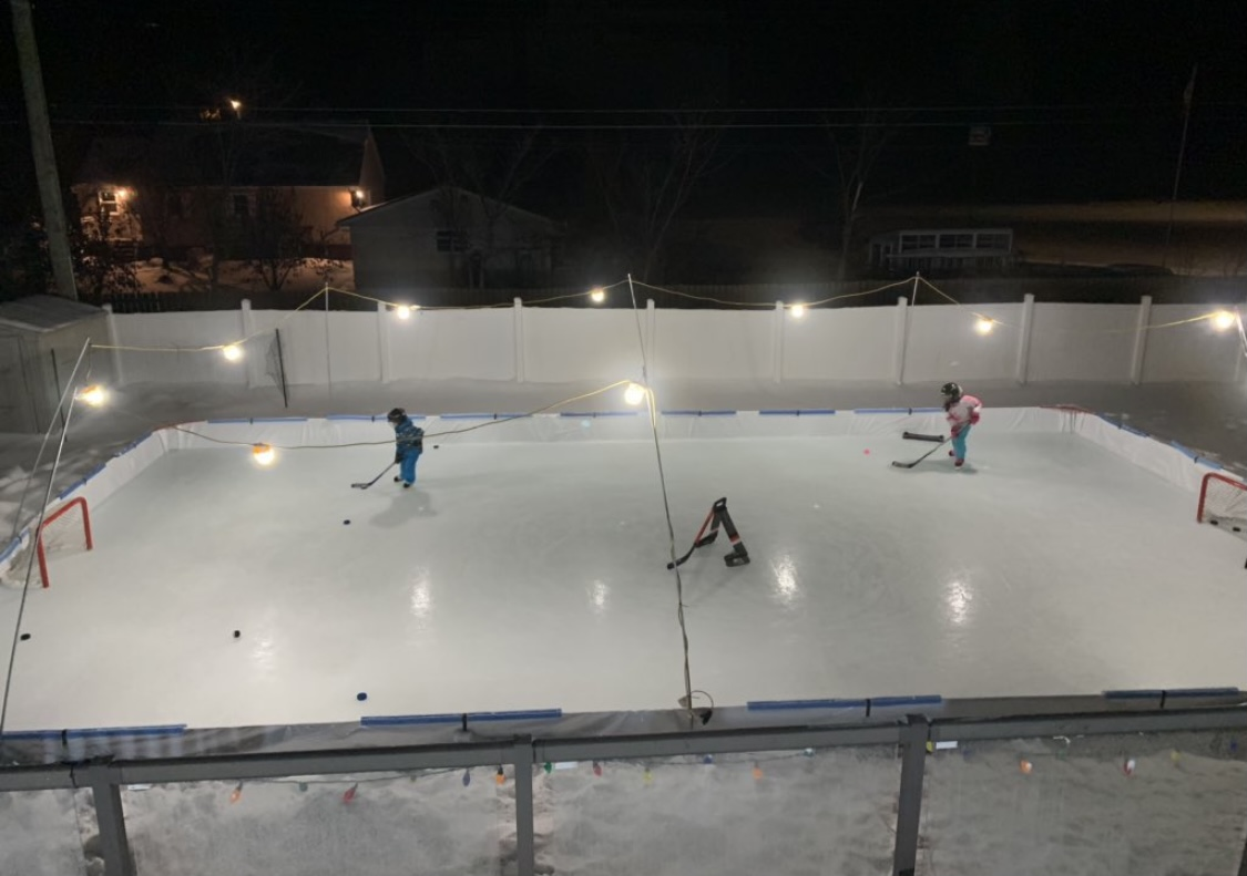Lights, Camera, Action! A little night skate for Nick and his kids! This set up is sweet! #rinkmaster #odr #nightskate #winter #hockey #pucks https://t.co/P5YKqzsvTf