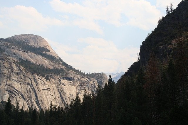 Photo By MaxWdhs | Pixabay - via @Crowdfire    #yosemite #half #dome #apple #california #influencer #apples #nationalparks https://t.co/IVeF0vrvzy