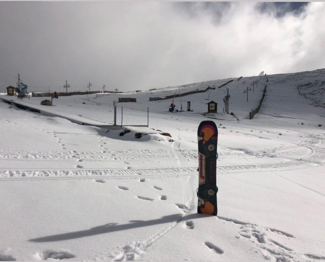 Hoje é só para os corajosos... Serra da Estrela. #snowboard #ski #neve #portugal 🇵🇹 [ @visitportugal @CentroPortugal  ] https://t.co/NQ8MNM7mhJ