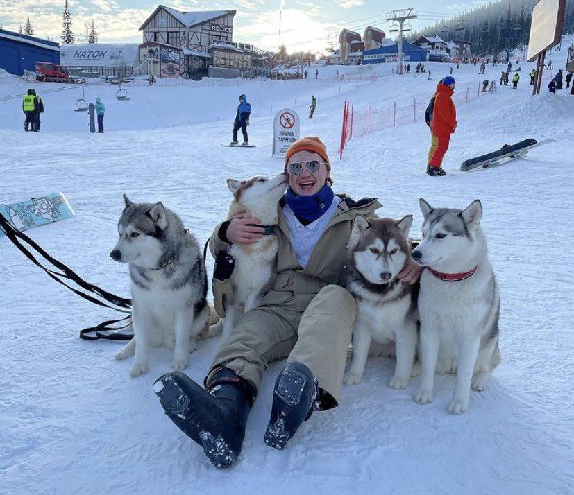 What a pack. 🐺  #mnwild | 📸: kirillkaprizov https://t.co/NvCIy8chxp