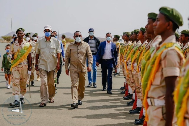 """""""Ethiopia PM meets AU envoys but bars them from Tigray"""" - does this end AU mediation efforts? Is Abiy sticking to a war plan he crafted with President Isaias at Eritrea's military base at Sawa in July?   https://t.co/B2Av5YpGzh https://t.co/YOtX9arP3n"""