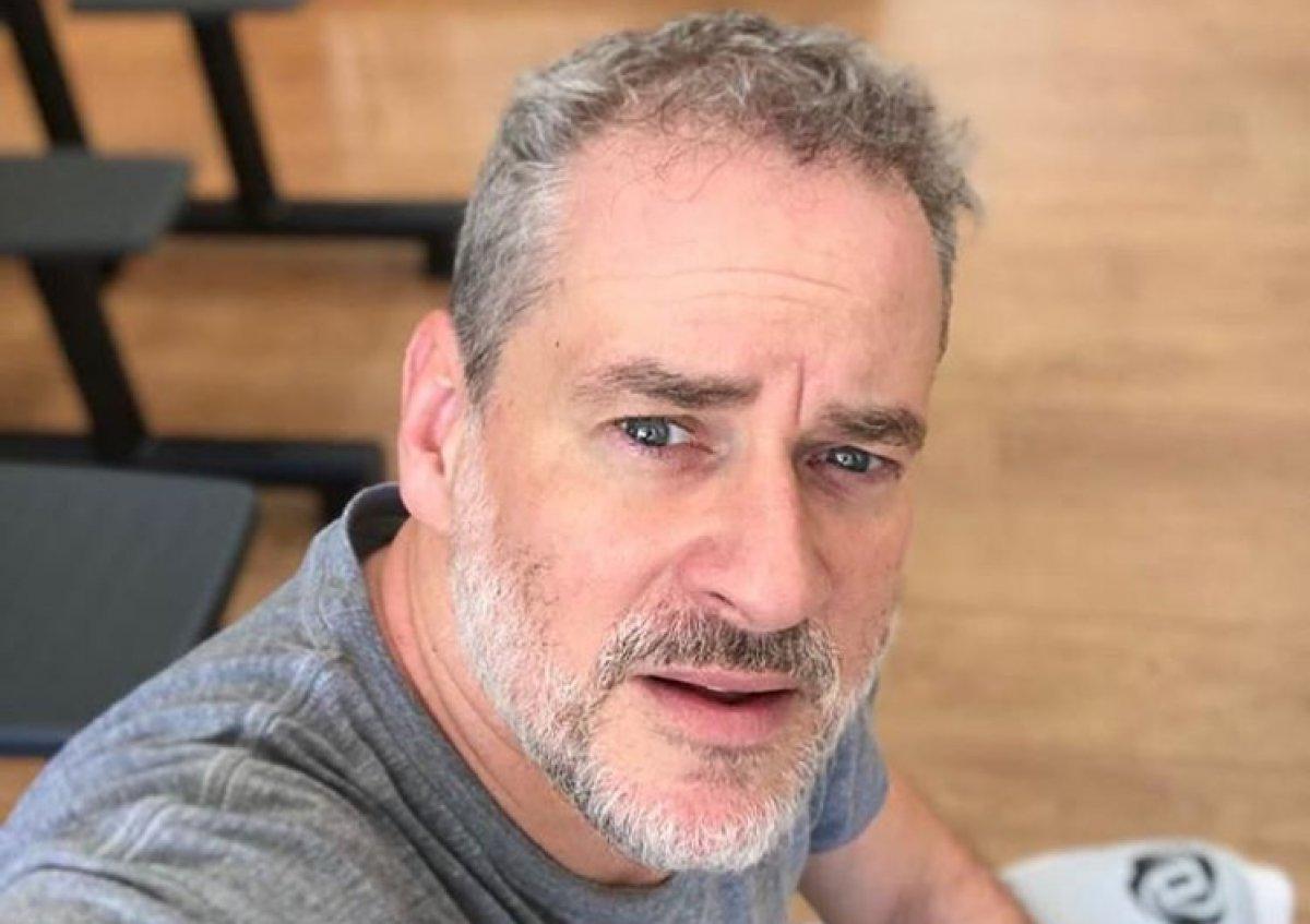 RT @vitorOUvinicius: @zacbeeating Agora adulto ele tá a cara do Dan Stulbach https://t.co/sHXDctAfa7