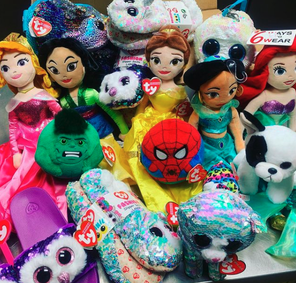 Have you seen the expanded selection of Teeny Ty at @sweet_noshings? They make great stocking stuffers! 🎁