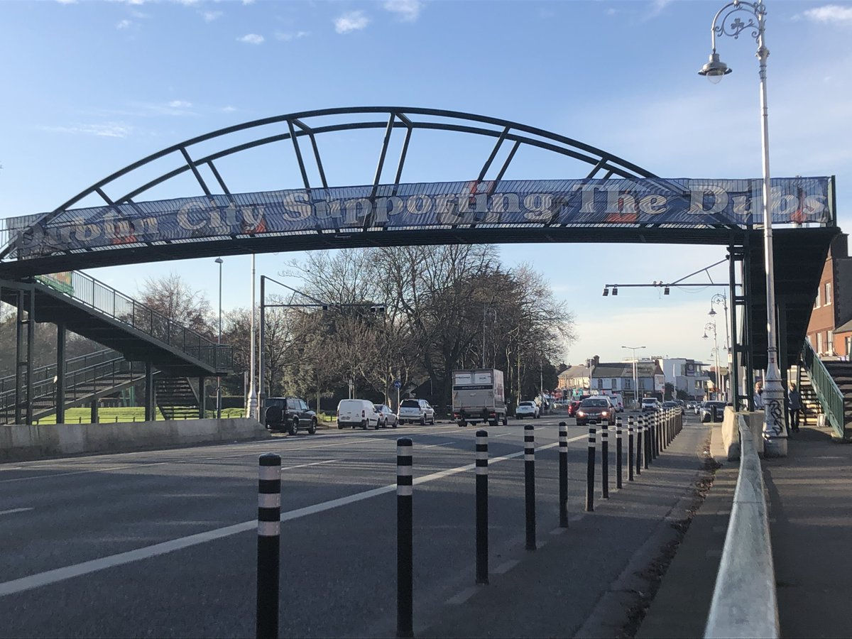 test Twitter Media - Great to see this banner back up on Fairview Bridge, ahead of a big week for our Mens & Ladies Footballers 💪💙  #UpTheDubs https://t.co/ChyUIE0wIe