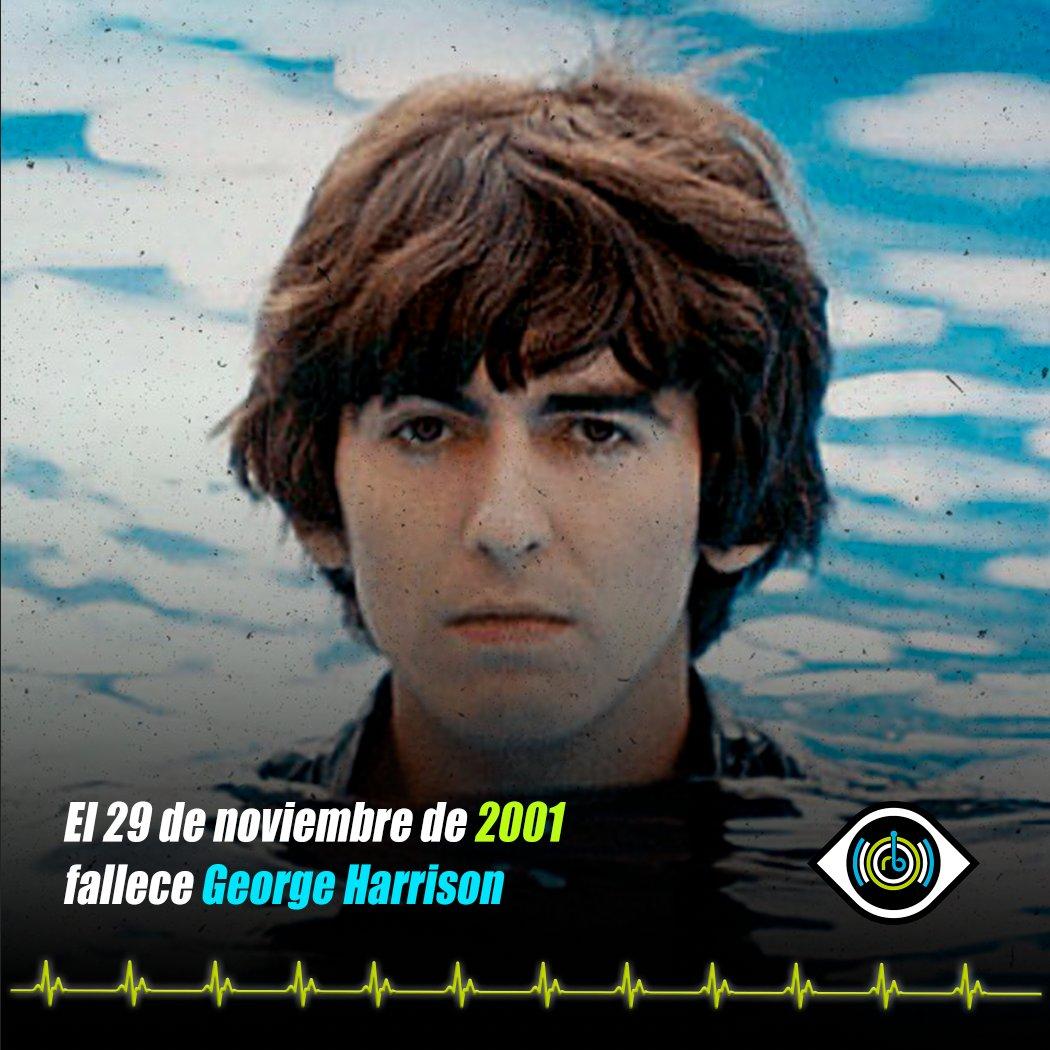 Un día como hoy en 2001 fallece George Harrison 😞🎶🎸 Fue un músico, compositor, cantautor y multiinstrumentista conocido por su trabajo en @thebeatles , brindándole a la banda un sonido único. Es uno de los artistas más reconocidos en el mundo del rock.   #RuidosdeAniversario https://t.co/VSonUYEjU1