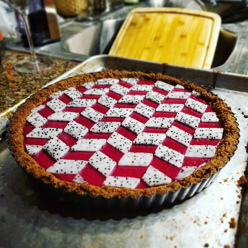 [Homemade] Dragon Fruit Tart #viral #trending #foodie #foodblogger #foodphotography #ff #tbt #ico https://t.co/xMGQHd1FPe