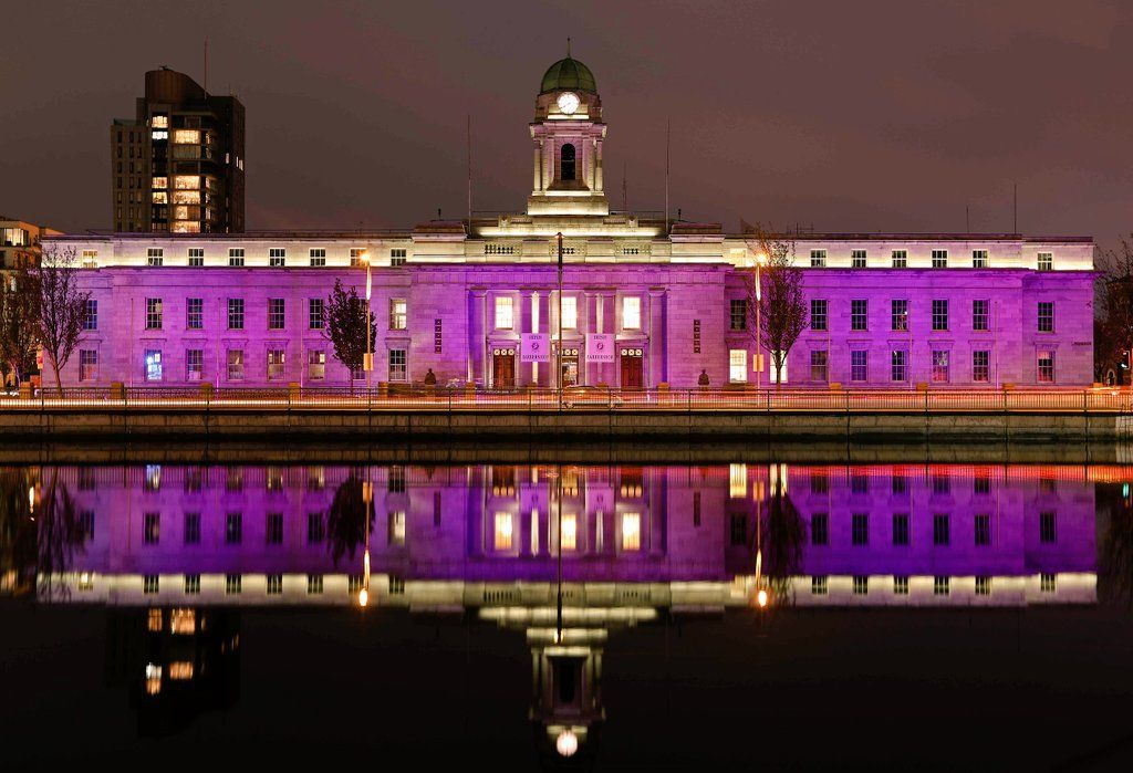 💜Cork City Hall will be illuminated in #Purple this weekend and Monday 30 November to mark the 150th Anniversary of the Consecration of St. Fin Barre's Cathedral. You can keep up to date with the events planned to mark the occasion by visiting https://t.co/ZkamTktowc💜 https://t.co/c2kBfEWRA0