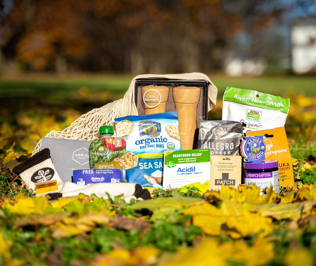 We can't transform our #food system alone, and that's why we're asking for your support on #GivingTuesday. Give $75+ and receive this Organic Heroes gift box with products from your favorite brands like @thrivemarket, @wedderspoonbuzz & @MaggiesOrganics.
