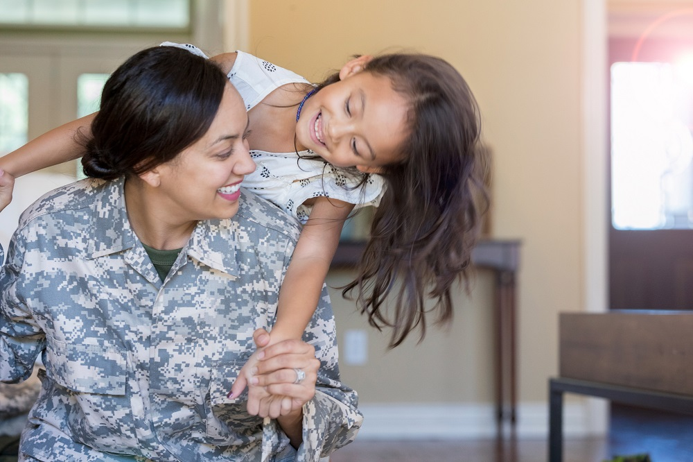 Si eres una #veterana o estás en una #familiamilitar, puedes enfrentar desafíos únicos, como la separación de tus seres queridos o heridas del combate. Estas herramientas te pueden ayudar a lidiar: . #VeteransDay #MilitaryFamilyAppreciationMonth