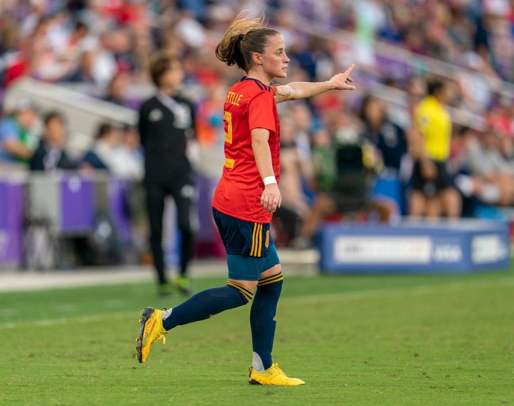 Spain Women are leading Moldova Women by 6-0 at HT.  Ona Batlle has completed 39 out of 46 passes so far and 2 out of 2 crosses so far.   Hope she is taken off soon, cannot risk another injury to International Football. #ESPMOL #MUWomen