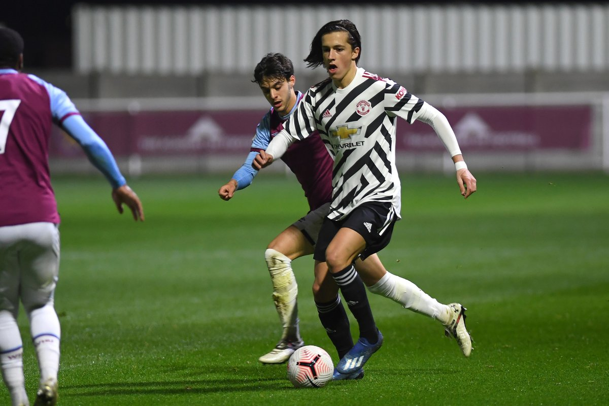 FT — #MUAcademy U23s: West Ham 2 #MUFC 0.  Oladapo Afolayan's penalty gave West Ham a second as Neil Wood's side face defeat in the #PL2.