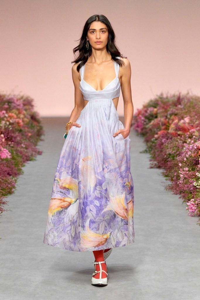 Zimmermann Spring Summer 2021 Womenswear⠀⠀  More Updates:  Follow us on  . . . . . . . . . @zimmermann #spring #summer #ss2021 #bestoftheday #model #beauty #whatiwore #gorgeous #fashion #fashiontrends #zimmermann