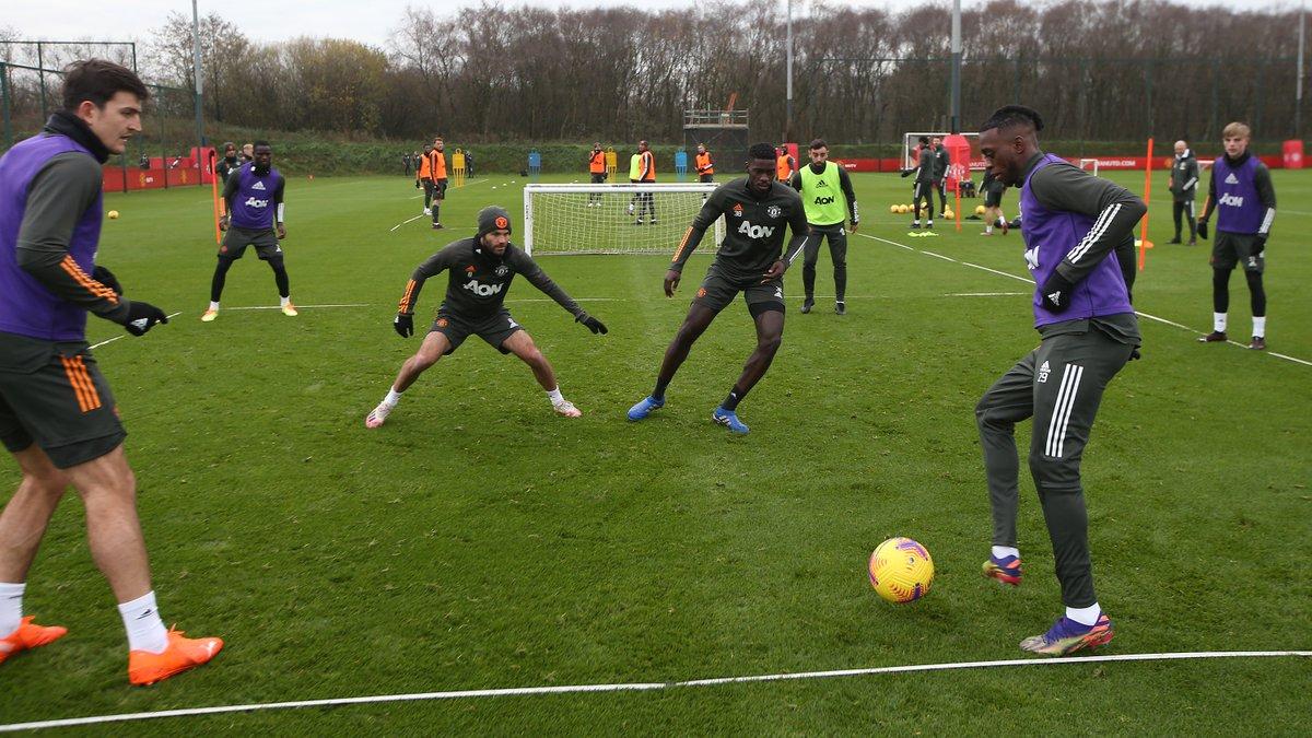 Practice makes perfect ⚽️  #MUFC #SOUMUN
