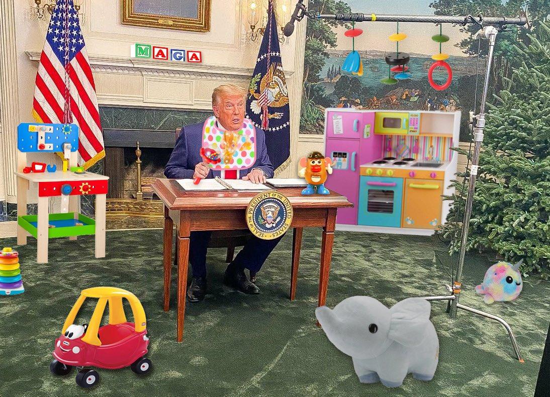 @DarkEyedItalian @realDonaldTrump #DiaperDon
