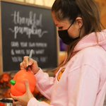 """🦃🎃 A look back! Last week, HPU students celebrated a safe Friendsgiving celebration in The Café! The festive celebration included local turkey, apples & sweet potatoes, plus scratch made sauces, & a """"thankful pumpkin"""" area for students to show what they're grateful for! #HPU365"""