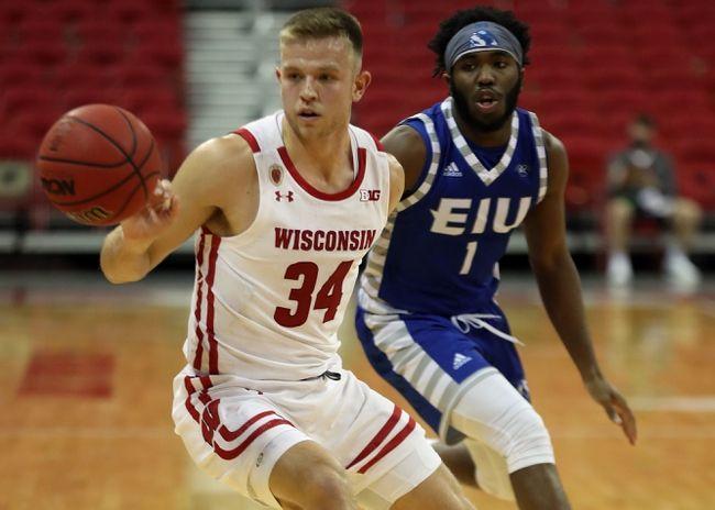Arkansas-Pine Bluff at Wisconsin 11/27/20 College Basketball Picks and Predictions  #FreePick #FreePicks #SportsBetting #CBB #CollegeBasketball #Vegas #NCAAB #BettingExpert #SportsGambling #BettingToWin #SportsPicks #BettingTips #uapb #badgers #bettingpicks
