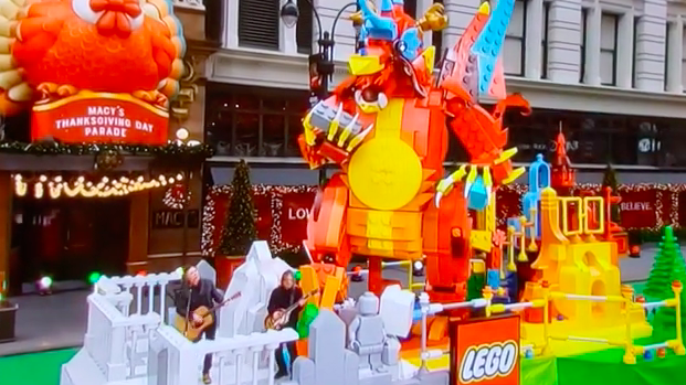 Missed the @googoodolls #MacysParade2020 yesterday? Check out Pittsburgh Girl's YouTube video of the performance! Yhttps://www.youtube.com/watch?v=-jI5on1X2ng.  .
