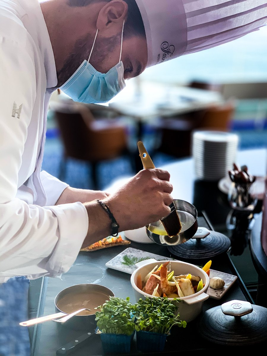 Every Sunday, at @saphir24, experience the authentic flavors of dishes from gourmet French cuisine. This Sunday the MEDITERRANEAN BOUILLABAISSE! Formula @ 39€ starter, main course, water and coffee. Book now places are limited #GourmetSunday #SundayVibes #FrenchCuisine #Saphir24