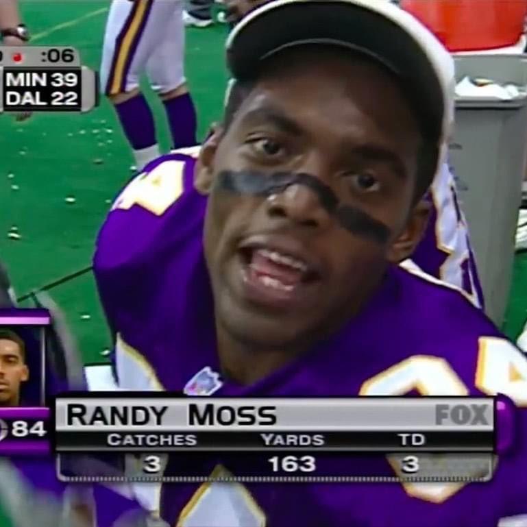 Les statistiques que nous ne reverrons jamais. C'était il y a 22 ans et il n'en avait que 21. #HOF @RandyMoss  #thanksgivingfootball