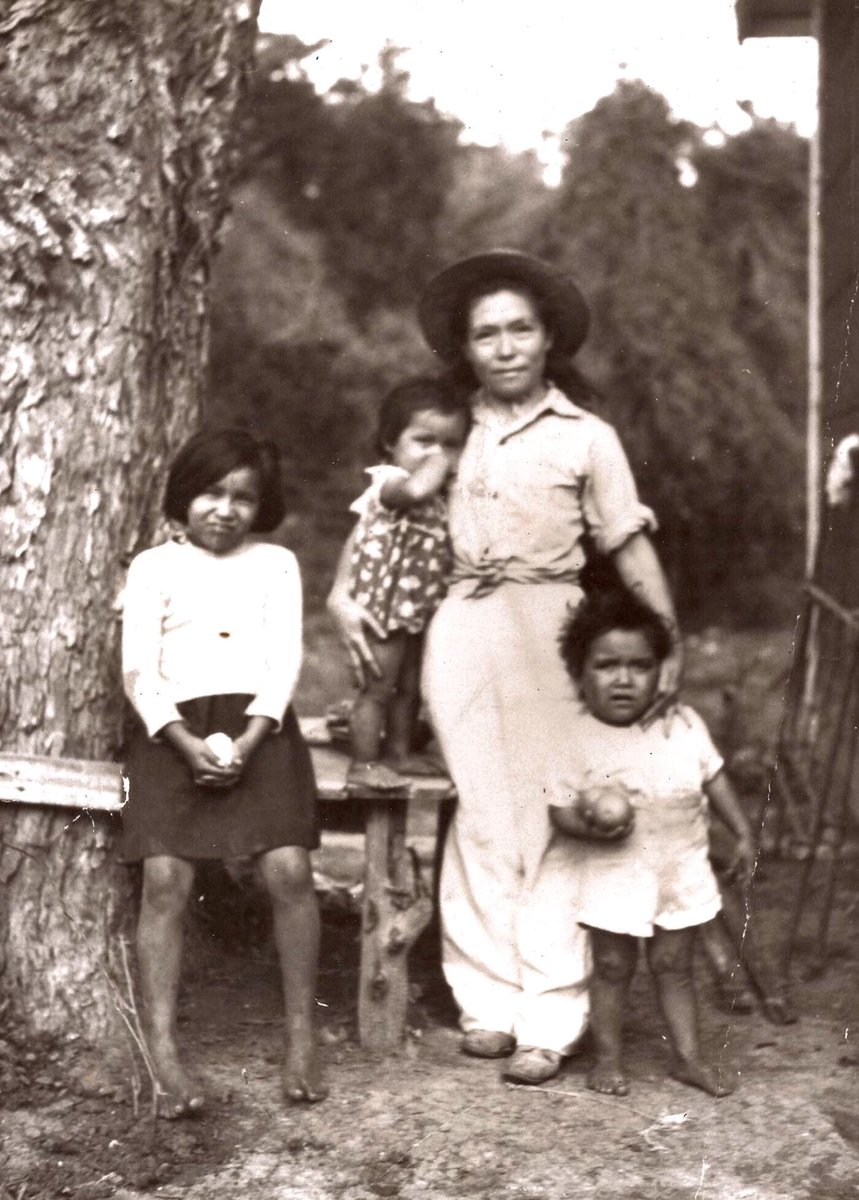 Observing #NativeAmericanHeritageDay My mom and 3 of my older siblings. I'm grateful for and proud of our ancestors 🙏
