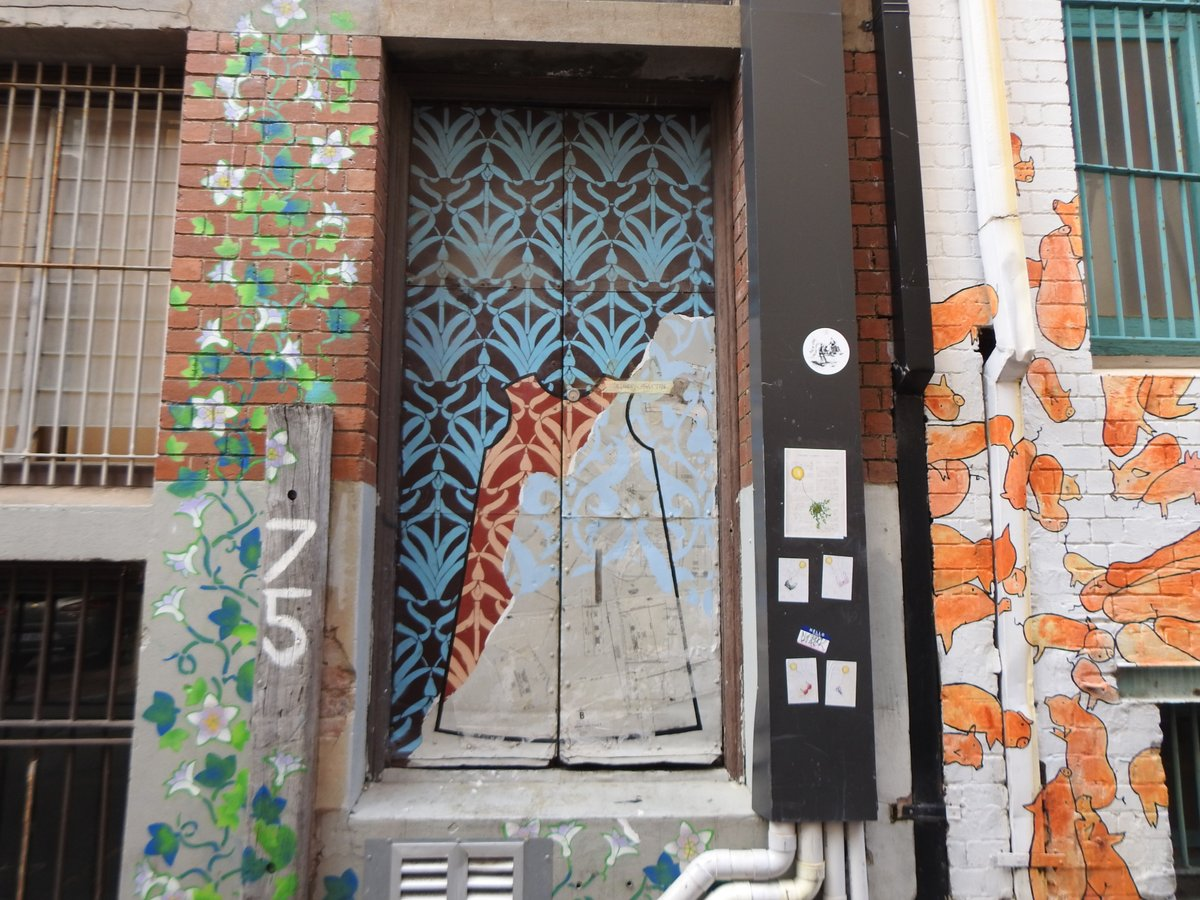 Holiday in WA! Take a great walking tour of Perth with @OhHeyWA Check out my recent Street Art and Sculpture Walking Tour...   #ayearinperth #perthisok #visitperth #australia #perth #discoverperth #solotravelers #maturesolotraveler #perth #walkingtour